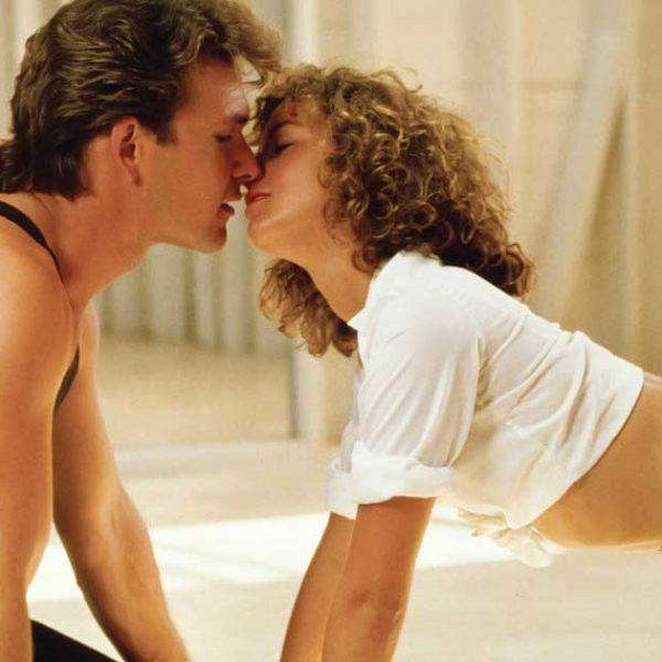 """Johnny och Baby kysser varandra i """"Dirty Dancing"""""""